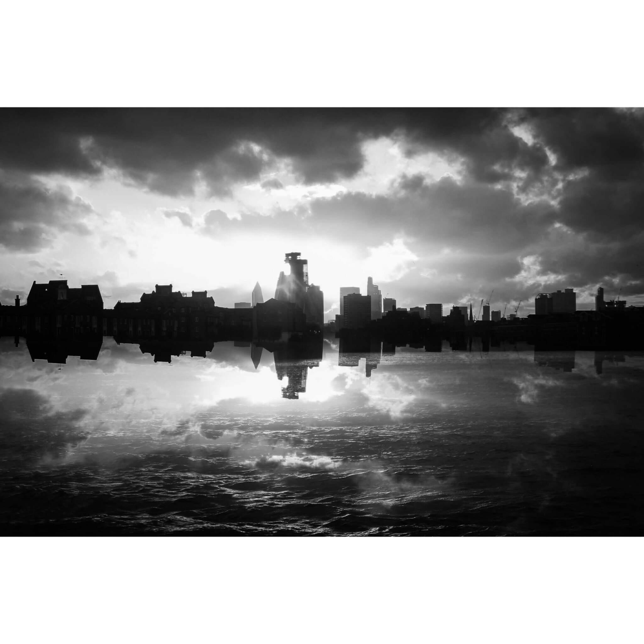 69284295 C99D 4A4A 92C3 766F5D7FCE78 - London City Skyline I
